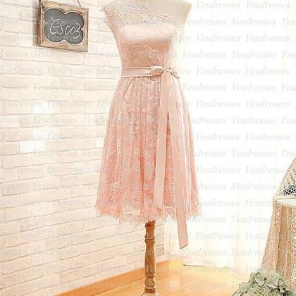 short bridesmaid dress, knee-length..